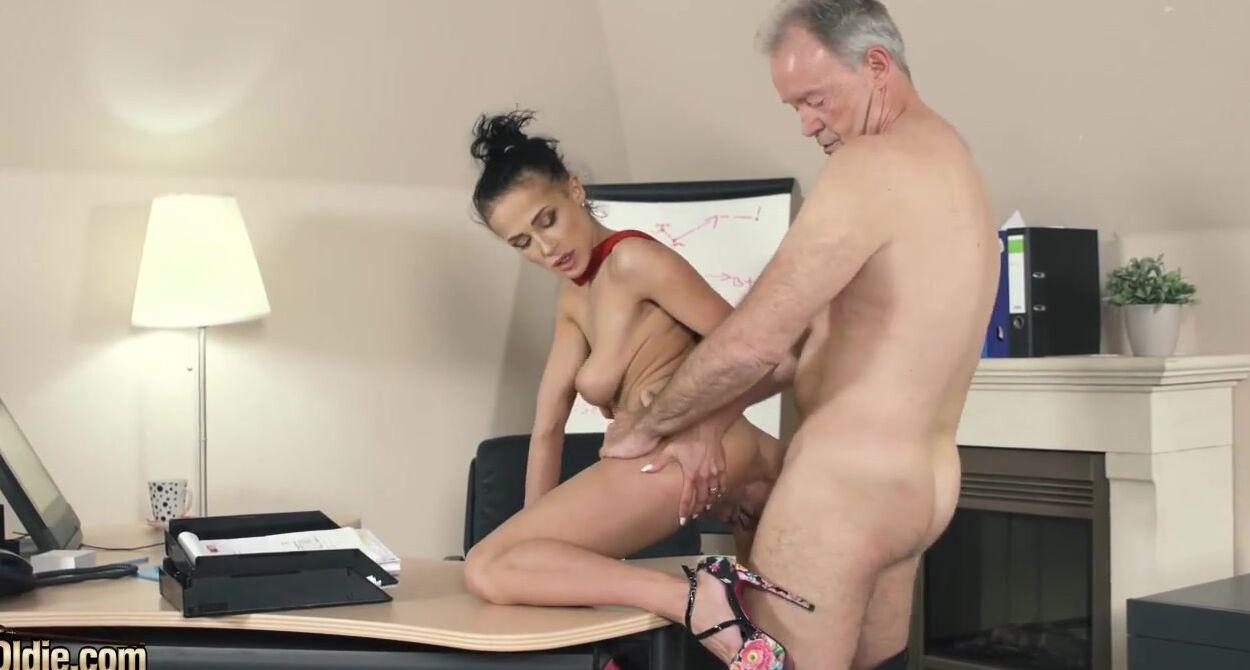 rate huge amatuer tits